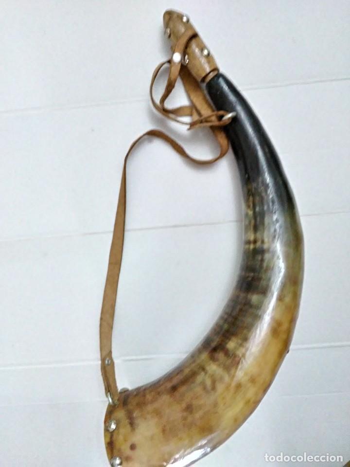 Militaria: Antigua polvorera de asta de toro 40 cm - Foto 2 - 244657050