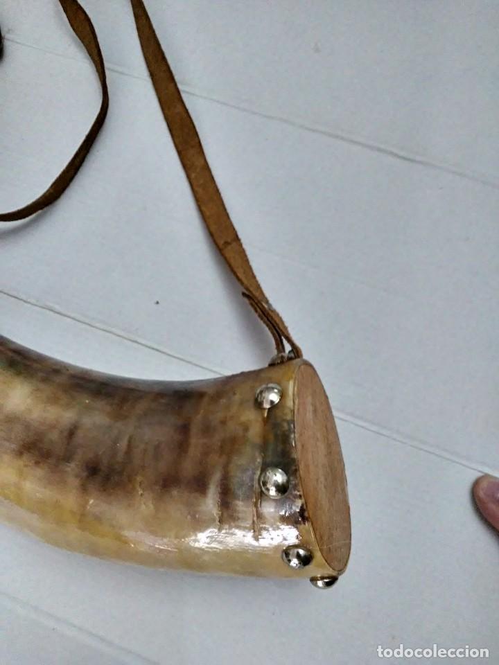 Militaria: Antigua polvorera de asta de toro 40 cm - Foto 8 - 244657050