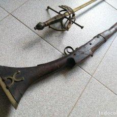 Militaria: LIQUIDACIÓN: ESCOPETA ESPINGARDA DE CHISPA + ESPADA ROPERA ,. Lote 247726690