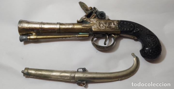 Militaria: Réplica de pistola L. Richards nº 6 y regalo también réplica, una daga. - Foto 4 - 252361565