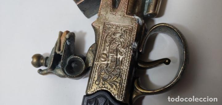 Militaria: Réplica de pistola L. Richards nº 6 y regalo también réplica, una daga. - Foto 8 - 252361565