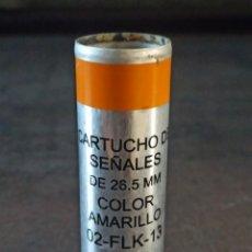 Militaria: CARTUCHO DE SEÑALES AMARILLO 26.5X80MM MARCA EXPAL INERTE. Lote 253275710