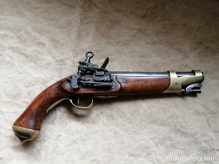 PISTOLA DE CHISPA AVANCARGA (Militar - Armas de Fuego de Avancarga y Complementos)