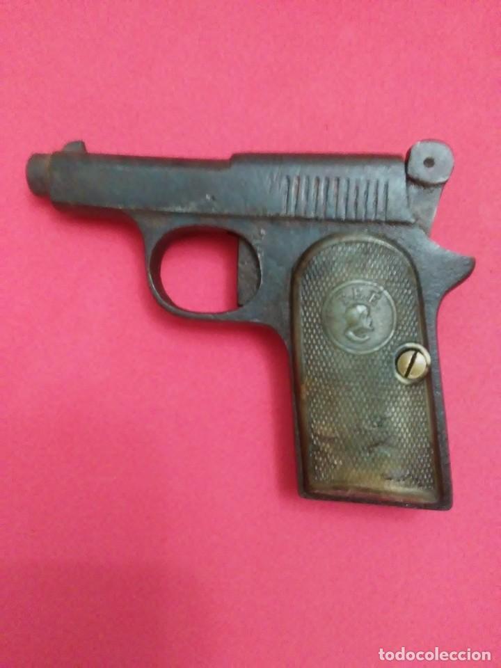 Militaria: Dos antiguas pistolas espantaperros - Foto 3 - 255332555