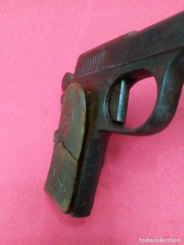 Militaria: Dos antiguas pistolas espantaperros - Foto 13 - 255332555