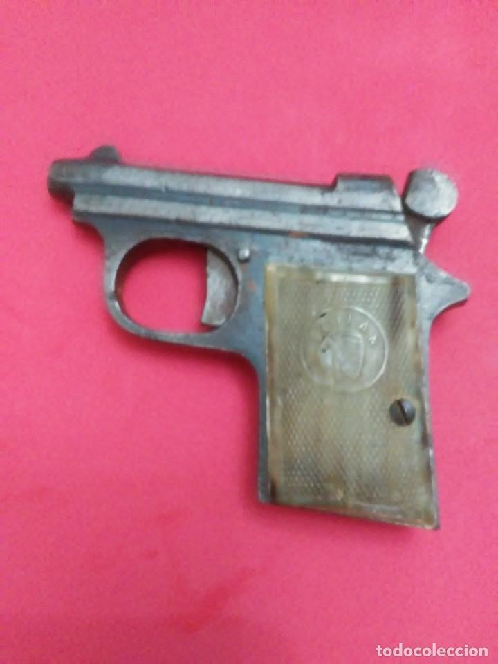 Militaria: Dos antiguas pistolas espantaperros - Foto 16 - 255332555
