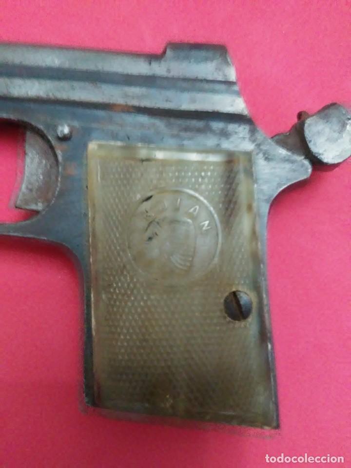 Militaria: Dos antiguas pistolas espantaperros - Foto 17 - 255332555