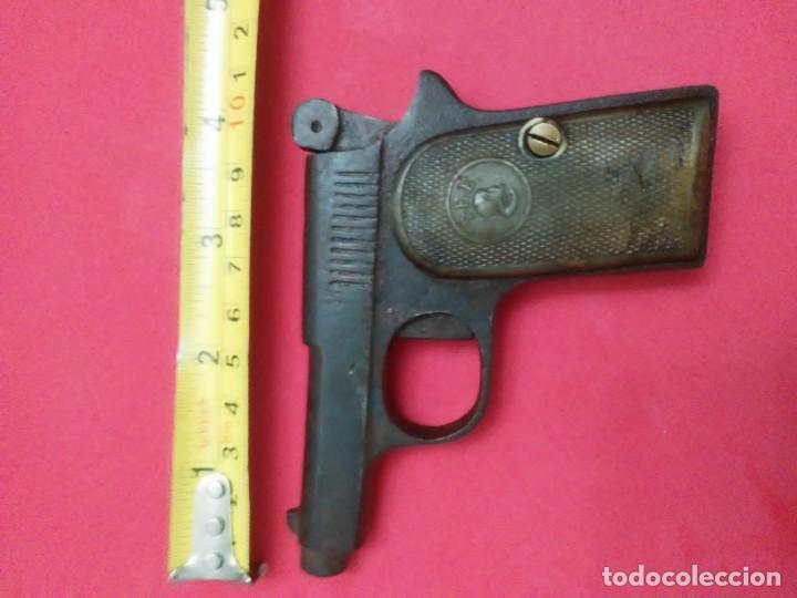 Militaria: Dos antiguas pistolas espantaperros - Foto 26 - 255332555
