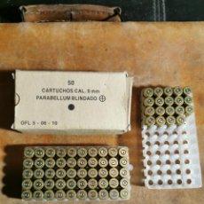 Militaria: 69 VAINAS CARTUCHOS 9MM PARABELLUM BLINDADO, ANTIGUAS. GFL 5-06-10.INERTES.LEER BIEN EL ANUNCIO. Lote 255467295