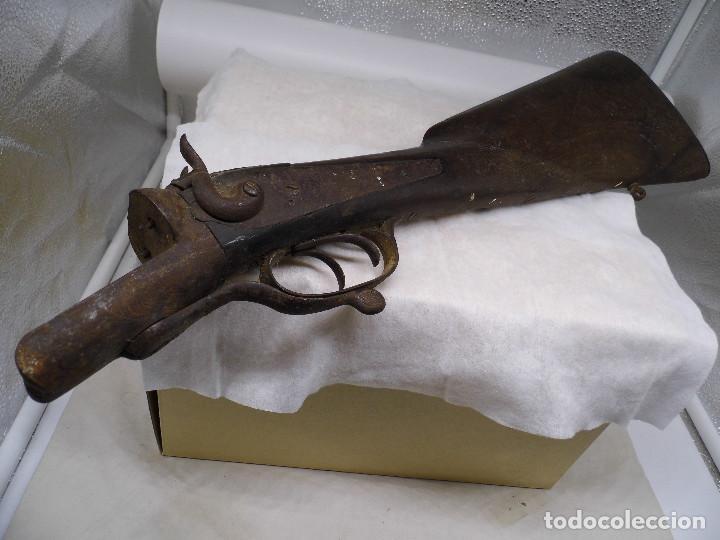 CULATA DE UN ARMA MUY ANTIGUA CON EL MECANISMO FUNCIONANDO (Militar - Armas de Fuego Inutilizadas)