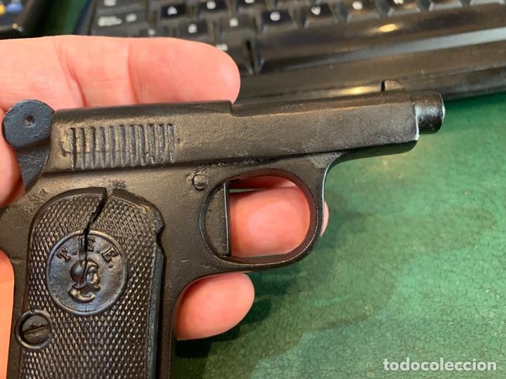 Militaria: Pequeña Pistola de Metal, de pistones asusta-Perros, años 30/50 Marca T.E.E. - Foto 3 - 268620379