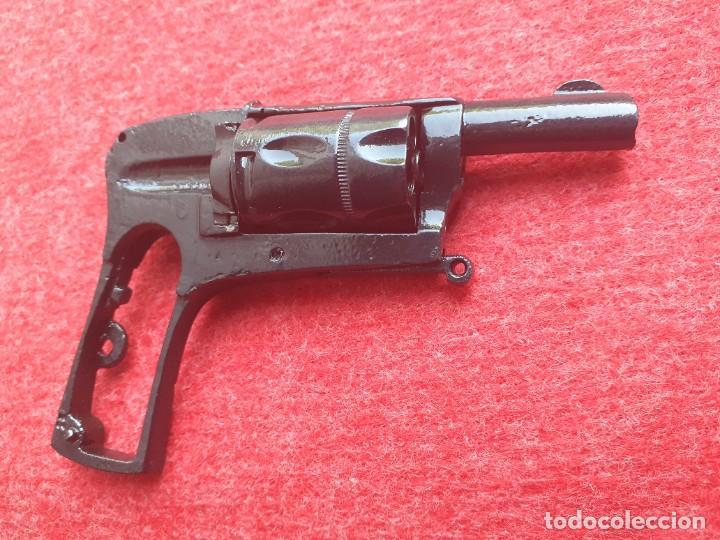 REVOLVER EIBAR INUTILIZADO (Militar - Armas de Fuego Inutilizadas)