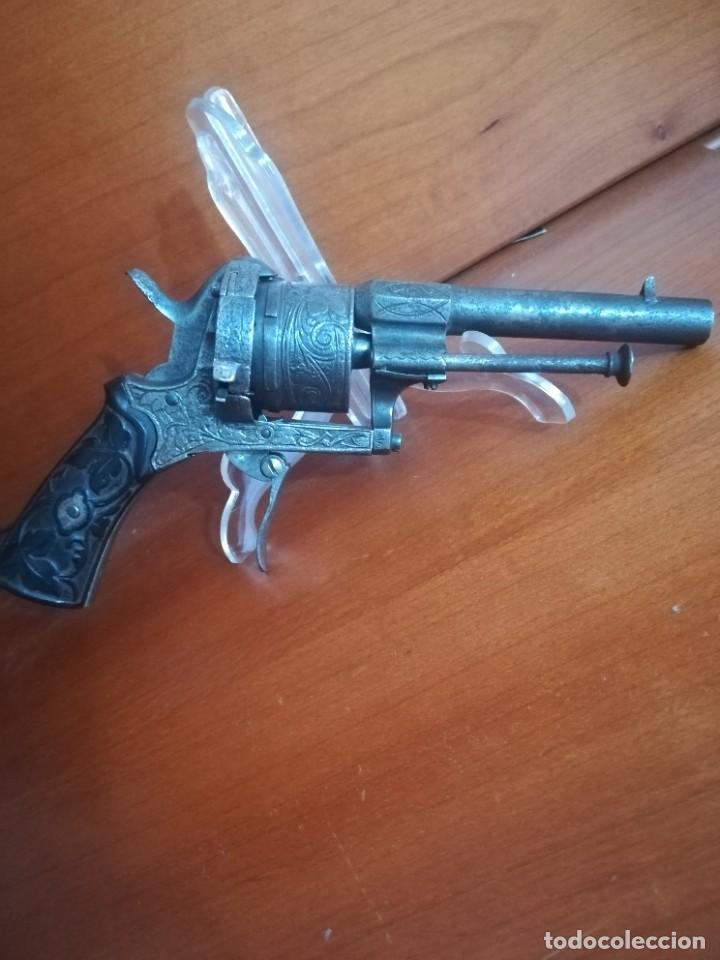 PRECIOSO REVOLVER LEFAUCHEUX LABRADO SIGLO XIX (Militar - Armas de Fuego Inutilizadas)