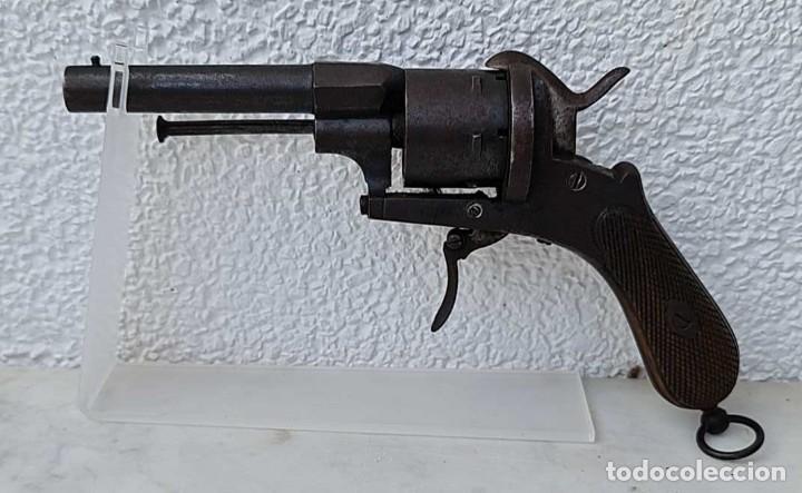 ANTIGUO REVOLVER LEFAUCHEUX, 1870, SISTEMA PIN, CALIBRE 9MM. MODELO OFICIAL, MUY BUEN ESTADO. (Militar - Armas de Fuego Inutilizadas)