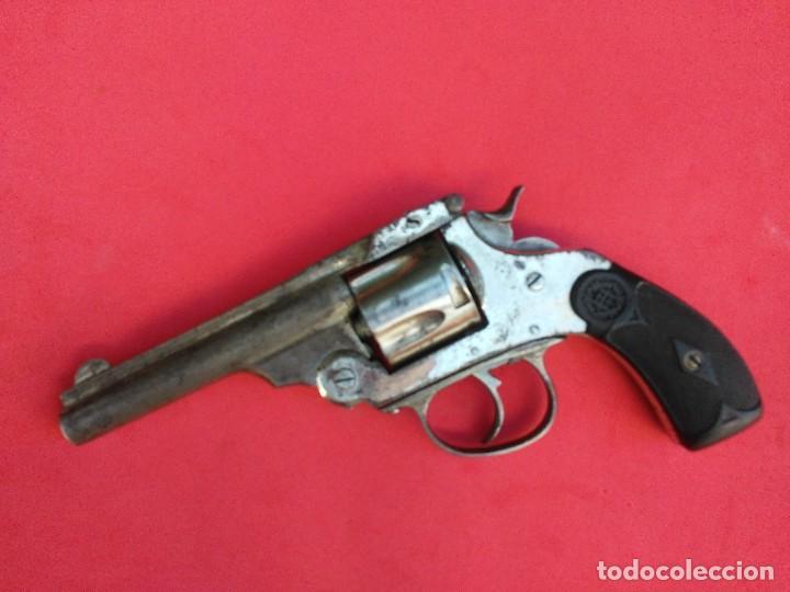 REVOLVER EUSCARO TIPO SMITH&WESSON (Militar - Armas de Fuego Inutilizadas)
