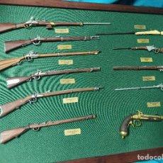 Militaria: CUADRO DE RÉPLICAS ARMAS HISTORICAS. Lote 292143213