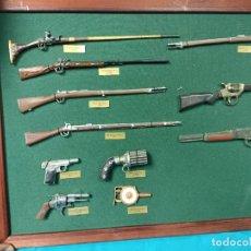 Militaria: CUADRO DE RÉPLICAS ARMAS HISTORICAS. Lote 292143418