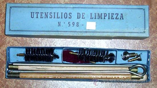 ANTIGUA CAJA CON BAQUETA DESMONTABLE - UTENSILIOS KIT DE LIMPIEZA - ARMA - CAZA - AÑOS 60 (Militar - Otros Artículos Relacionados con Armas)