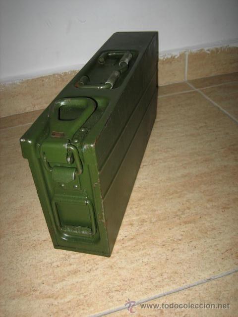 CAJA METÁLICA EJERCITO ALEMAN , MUNICION MG3 (Militar - Otros Artículos Relacionados con Armas)