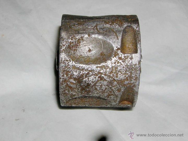 CILINDRO PARA REVOLVER ANTIGUO DE, 38 MM. DE DIA. (Militar - Otros Artículos Relacionados con Armas)