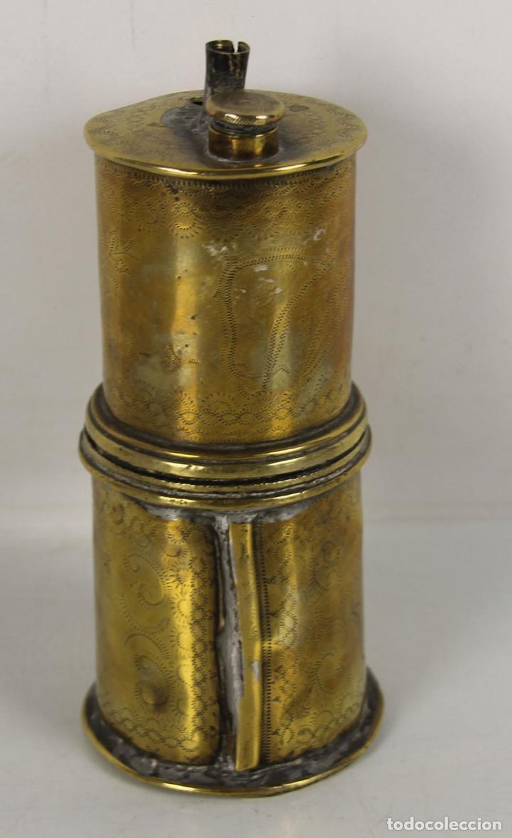 CAZOLETA POLVORERA PARA CARGA DE ARMAS EN LATON. SIGLO XVIII (Militar - Otros Artículos Relacionados con Armas)