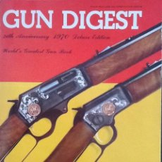 Militaria: LOTE DE GUN DIGEST (1970-1974, 1981) + HANDGUN DIGEST + 2 MANUALES NRA INTERNATIONAL SHOOTING. Lote 91111165