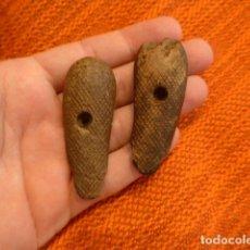 Militaria - Antiguas cachas originales de pistola o revolver - 94436870