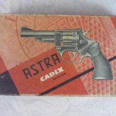 Militaria: CAJA REVOLVER ASTRA CADIX - CASQUILLOS. Lote 134241818