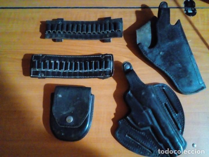 Militaria: FUNDAS PARA PISTOLAS , BALAS Y ESPOSAS - Foto 2 - 147054302