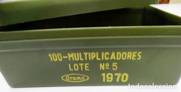 Militaria: CAJA DE PLÁSTICO VACÍA DEL EJÉRCITO PARA 100 MULTIPLICADORES,1970 - Foto 2 - 178830712