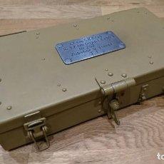 Militaria: CAJA DE REPUESTOS PARA CAÑON DOBLE DE 3.7 CM ALEMAN. Lote 196218281