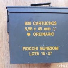 Militaria: CAJA MUNICIÓN 5,56 X 45. Lote 214570096