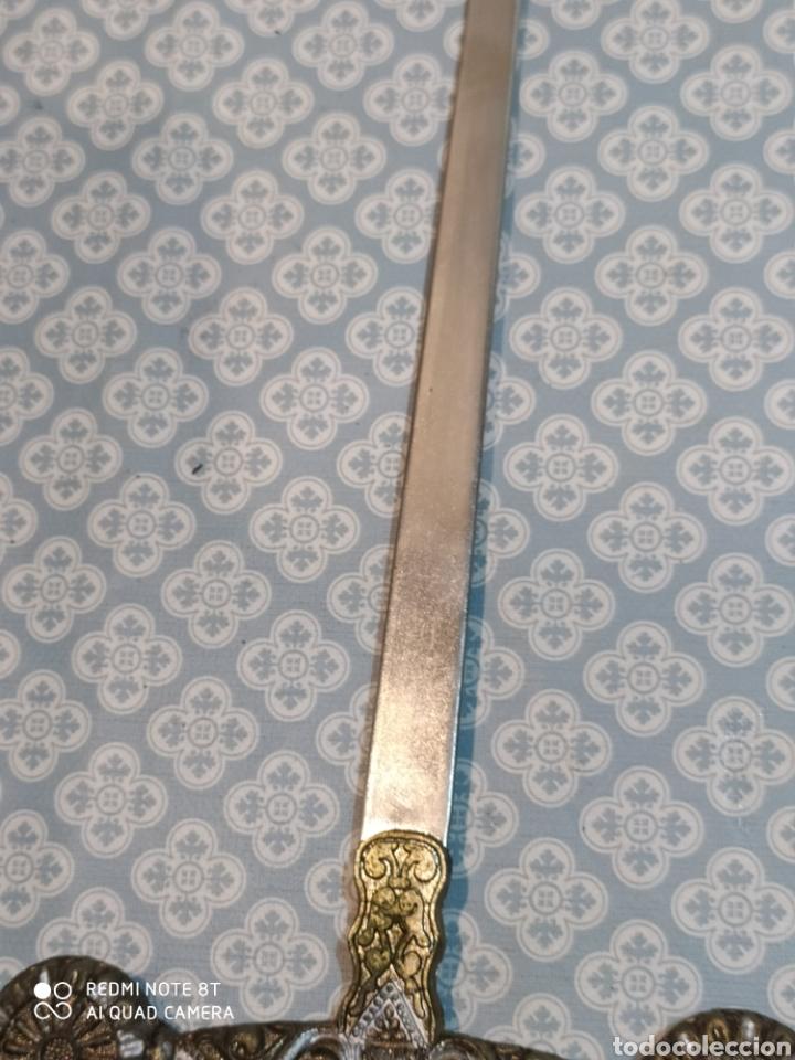 Militaria: Preciosa daga antigua con mango de metal y todo tipo de detalles con funda original - Foto 14 - 221501867