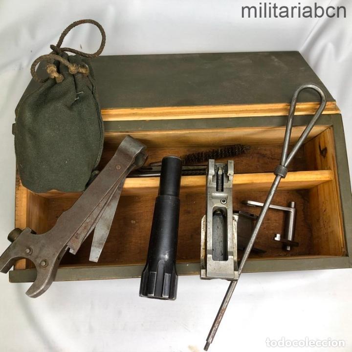 CAJA DE HERRAMIENTAS PARA LA AMETRALLADORA CHECA ZB 37/56. FABRICACIÓN SEGUNDA GUERRA MUNDIAL (Militar - Otros Artículos Relacionados con Armas)