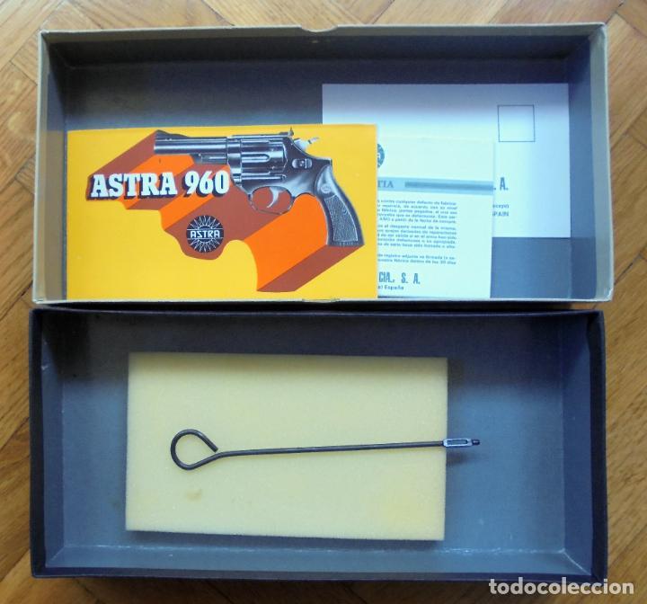 Militaria: Caja para el revólver Astra 960.Manual,baqueta de limpieza - Foto 3 - 246752675