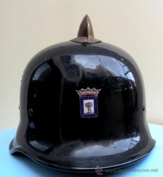 Militaria: ANTIGUO Y PRECIOSO CASCO DE BOMBERO DEL AYUNTAMIENTO DE MADRID - AÑOS 40-50 - EN - T - Foto 5 - 27203386