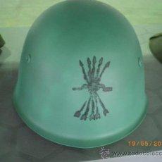 Militaria: CASCO ITALIANO M.33 FLECHAS NEGRAS, GUERRA CIVIL. Lote 93707903