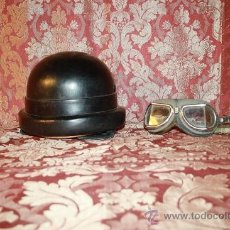Militaria: CASCO DE BOMBERO MOTORISTA ITALIANO EN CUERO. SIMAV CON GAFAS. SIN INSIGNIA PRINC S XX.. Lote 37550239