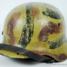 Militaria: CASCO ALEMAN DE COMBATE M40 PINTADO DE CAMUFLAJE ET 62. Lote 45025346
