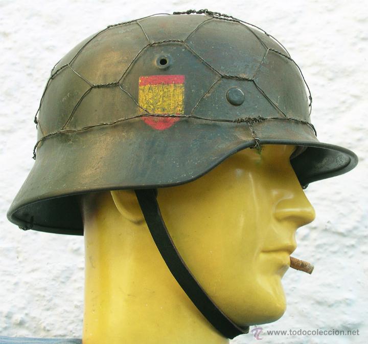 CASCO ALEMÁN M40 DIVISIÓN AZUL, RESTAURADO. (Militar - Cascos Militares )