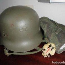 Militaria: CASCO ESPAÑOL Z CON ÁGUILA Y FUNDA PARA RECREACIONES. Lote 110198771