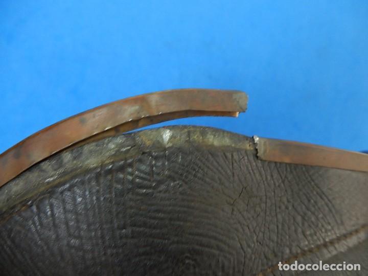 Militaria: Antiguo casco de bomberos. Metal y cuero. - Foto 39 - 128043851