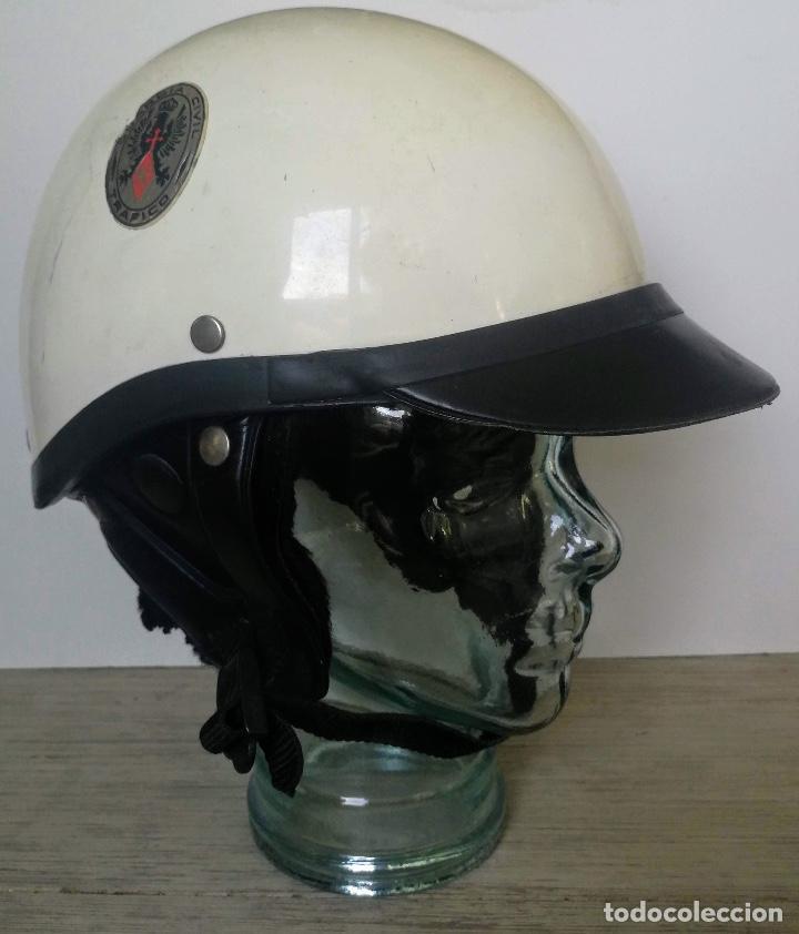 Militaria: ANTIGUO CASCO DE LA GUARDIA CIVIL - MOTORISTA - TRAFICO - ORIGINAL AÑOS 70 - COMPLETO - EN BUEN ESTA - Foto 4 - 131753826
