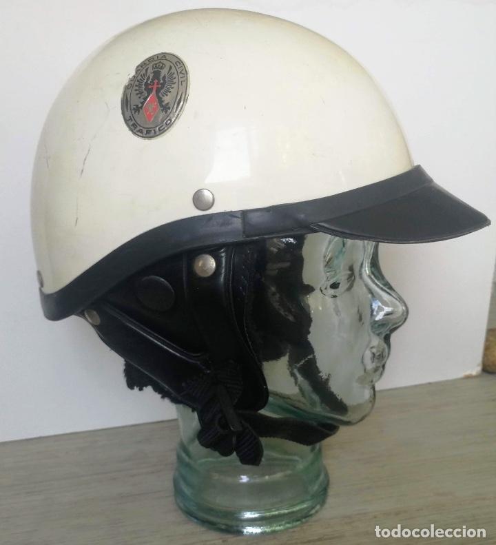 Militaria: ANTIGUO CASCO DE LA GUARDIA CIVIL - MOTORISTA - TRAFICO - ORIGINAL AÑOS 70 - COMPLETO - EN BUEN ESTA - Foto 5 - 131753826