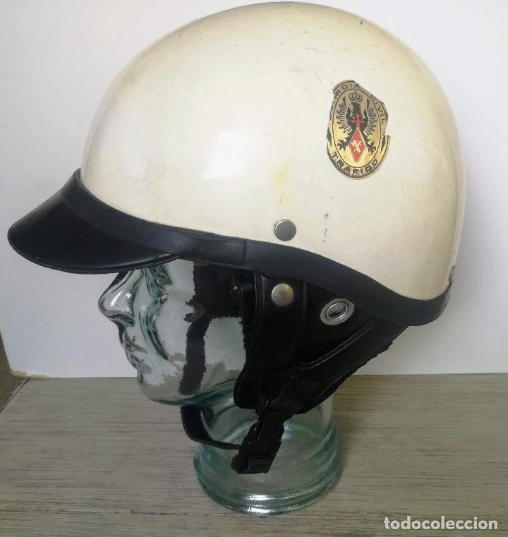 Militaria: ANTIGUO CASCO DE LA GUARDIA CIVIL - MOTORISTA - TRAFICO - ORIGINAL AÑOS 70 - COMPLETO - EN BUEN ESTA - Foto 8 - 131753826