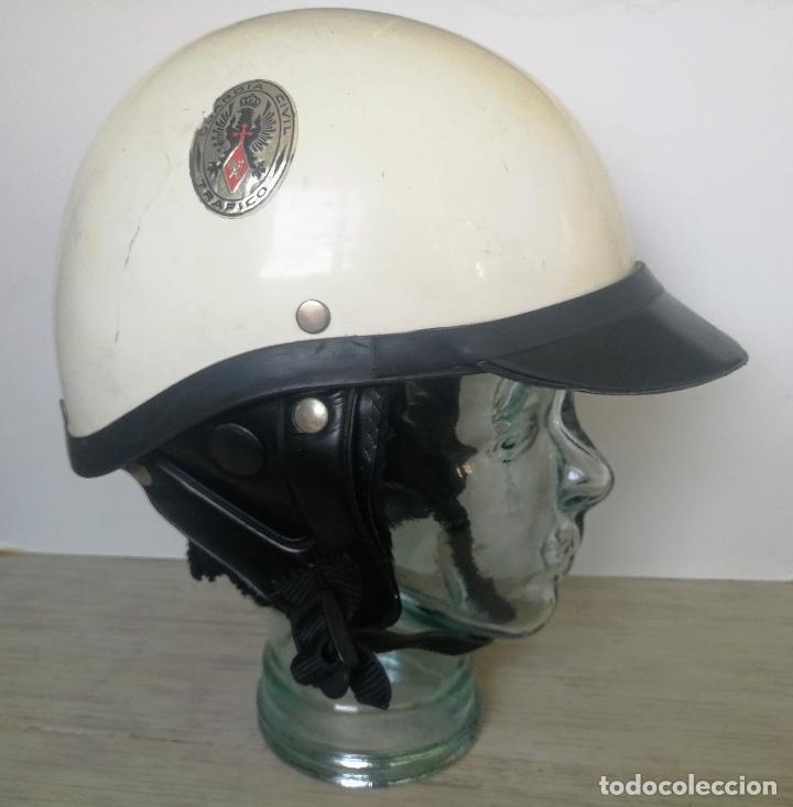 ANTIGUO CASCO DE LA GUARDIA CIVIL - MOTORISTA - TRAFICO - ORIGINAL AÑOS 70 - COMPLETO - EN BUEN ESTA (Militar - Cascos Militares )