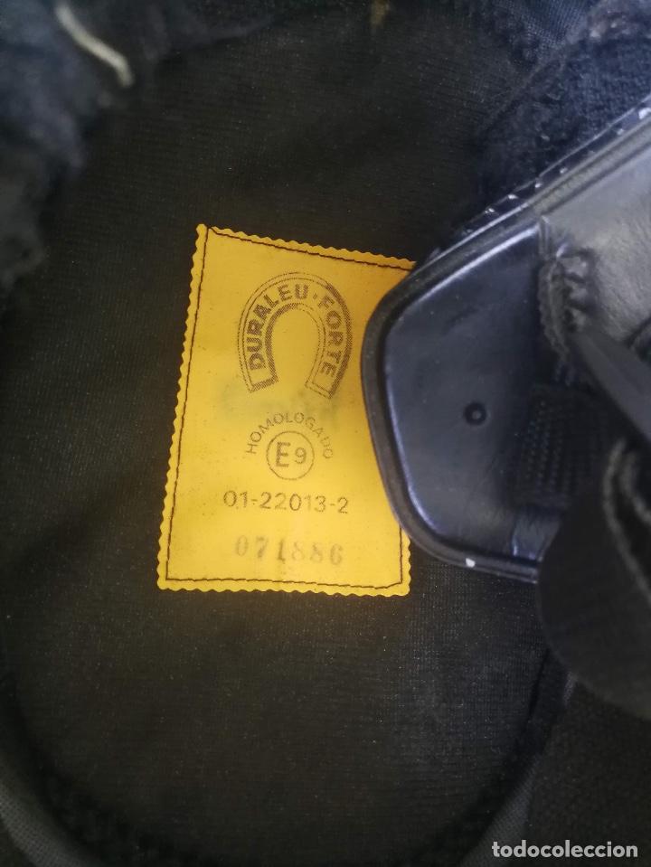 Militaria: ANTIGUO CASCO DE LA GUARDIA CIVIL - MOTORISTA - TRAFICO - ORIGINAL AÑOS 70 - COMPLETO - EN BUEN ESTA - Foto 14 - 131753826
