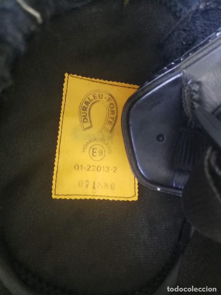 Militaria: ANTIGUO CASCO DE LA GUARDIA CIVIL - MOTORISTA - TRAFICO - ORIGINAL AÑOS 70 - COMPLETO - EN BUEN ESTA - Foto 15 - 131753826