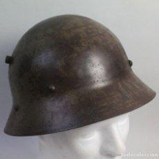 Militaria: CASCO CHECOSLOVACO MODELO 1930 USADO DURANTE LA GUERRA CIVIL ESPAÑOLA. Lote 53295361
