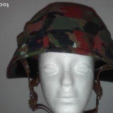 Militaria: CASCO SUIZO CON FUNDA. Lote 137242750